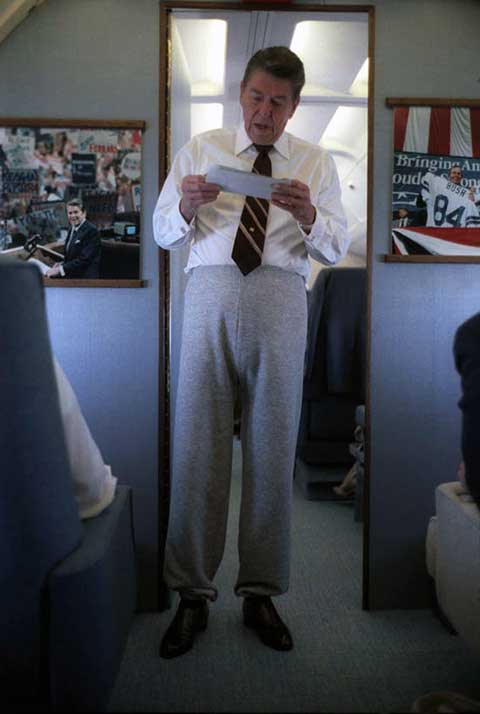 Ronald-Reagan-in-sweatpants-on-the-Air-Force-One