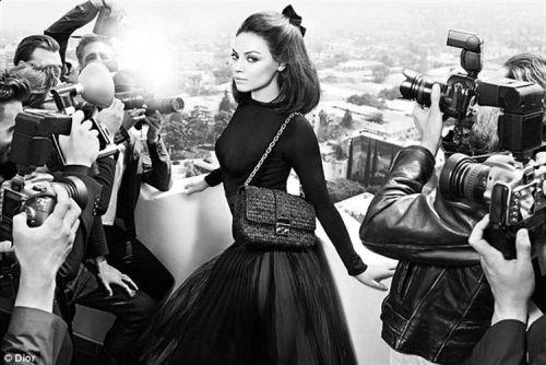 Mila Kunis posa para Dior