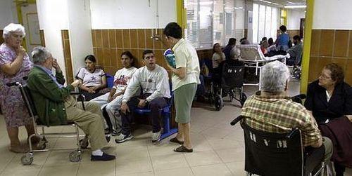 Cerca de mil médicos, dispuestos a enfrentarse a problemas judiciales por atender a los 'sin papeles'