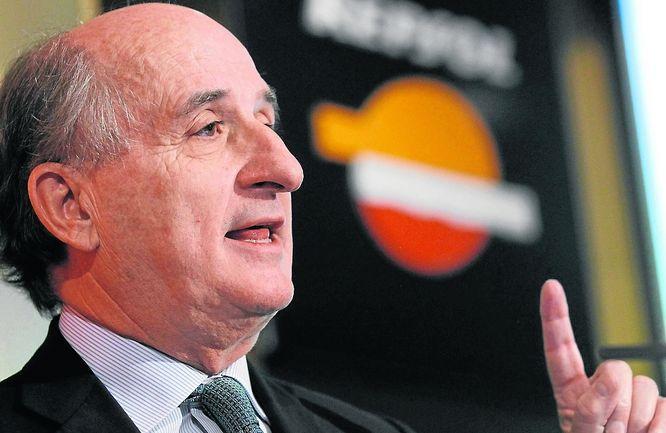 Repsol entra en el negocio eléctrico con la compra de cinco centrales