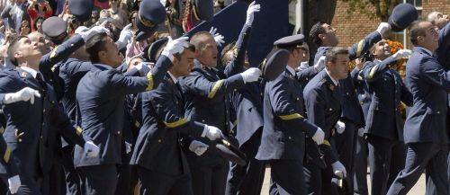 Procesados 45 mandos del Ejército del Aire por un fraude en cobros por  mudanza - Republica.com