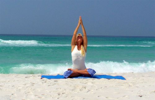 El yoga puede ayudar a aliviar los síntomas de la menopausia ... 03291ff9410c