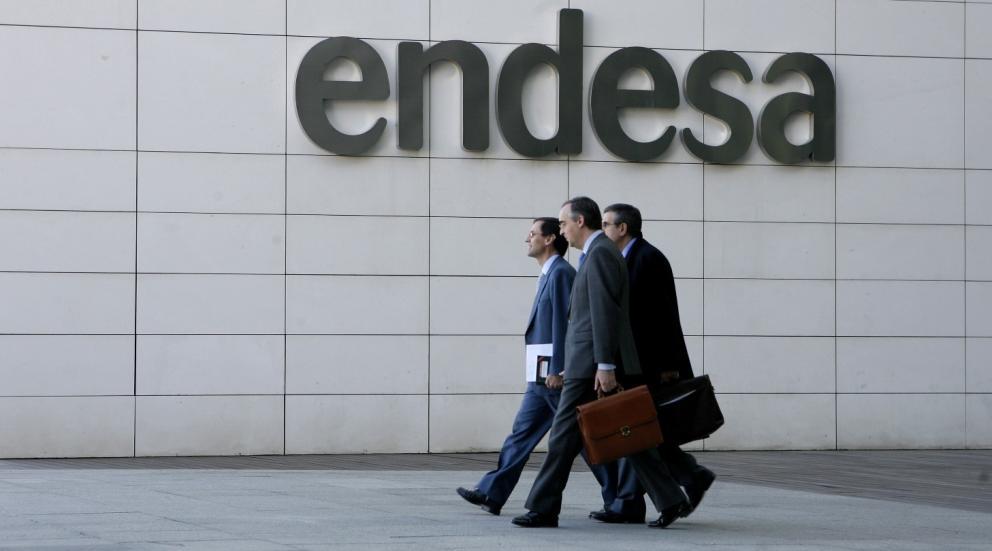 Solamente 121 empresas de todo el mundo un 3 5 han for Cambio de titularidad endesa