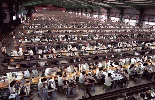 Resultado de imagen para fabrica huawei china