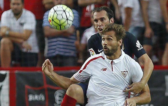 El Atlético golea al Sevilla (0-3) en un partido con resultado engañoso