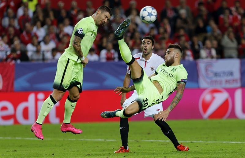 El Sevilla cae ante el Manchester City (1-3) y se queda al borde del K.O.
