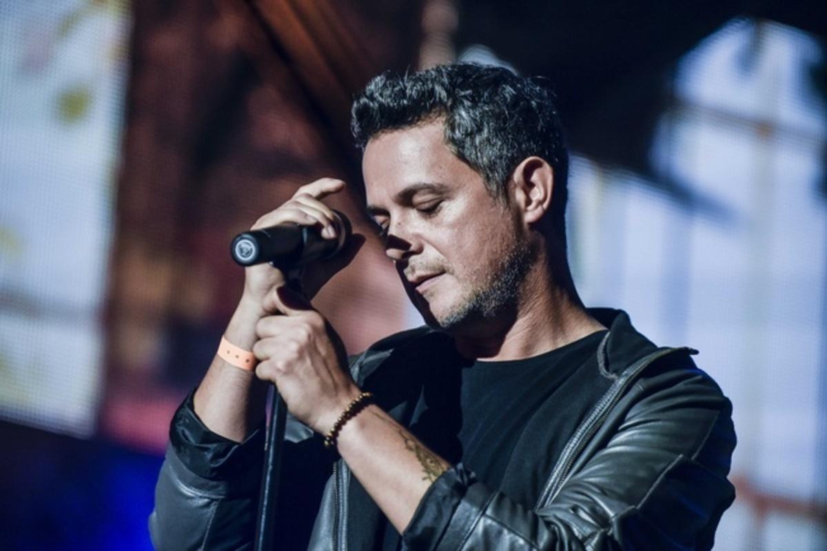 cantante sanz alejandro concierto redes cuenta twitter agradecimientos