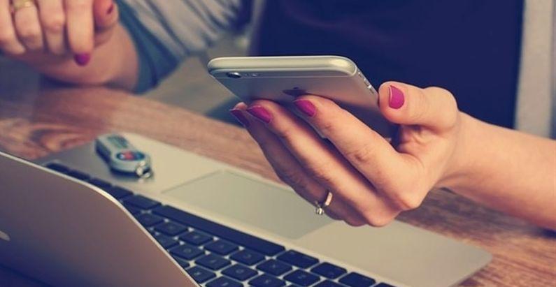 Los españoles pasan cerca de 4 horas y media al día conectados a Internet