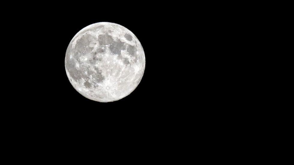 La luna de la tierra es un objeto inusual en nuestro for Que luna hay esta noche
