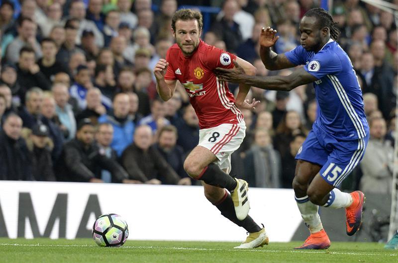El City conserva el liderato y el Chelsea arrolla al United