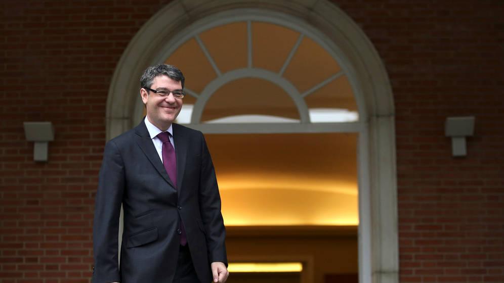 El nuevo ministro Álvaro Nadal presume en su currículum de un ...