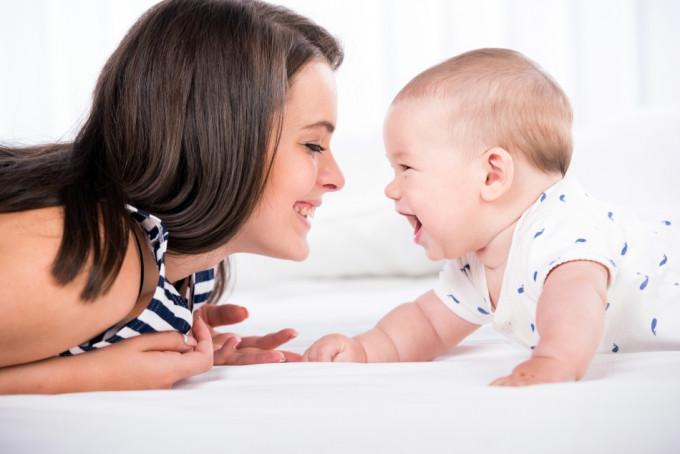 ¿Cómo se reclama el IRPF por maternidad?