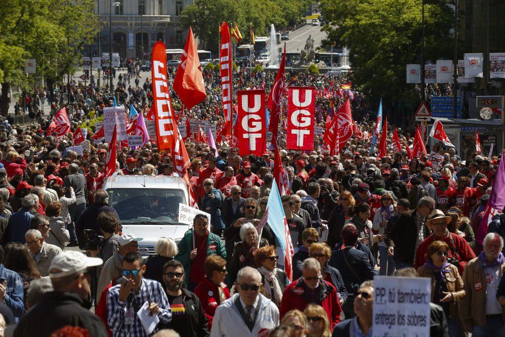 ARRANCA LA MANIFESTACIÓN DEL PRIMERO DE MAYO CLAMANDO CONTRA LA CORRUPCIÓN