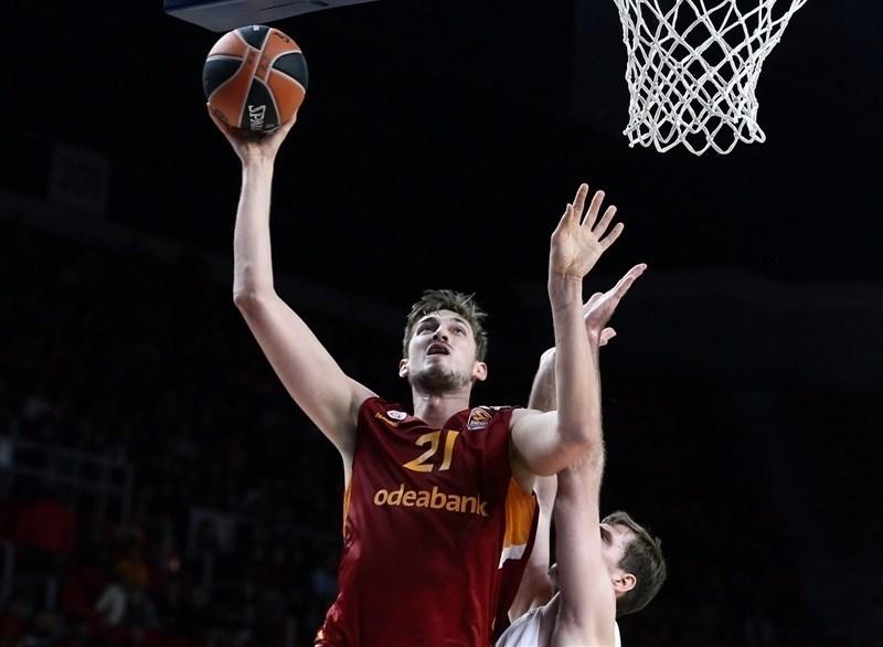 El Valencia Basket cierra el fichaje del pívot Tibor Pleiss hasta 2019