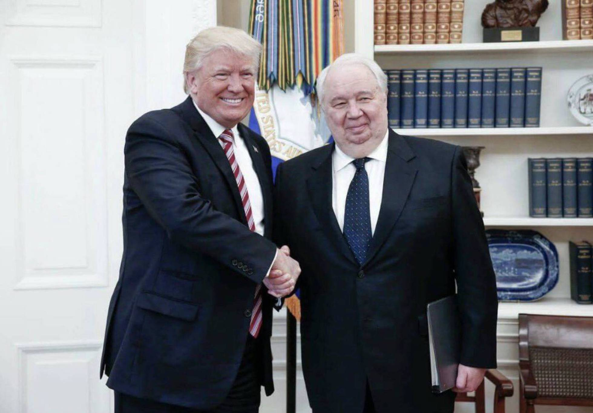 Almuerzo con el embajador ruso sergei