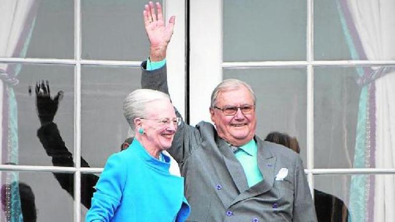El príncipe consorte acusa a la reina Margarita de Dinamarca de no respetarle