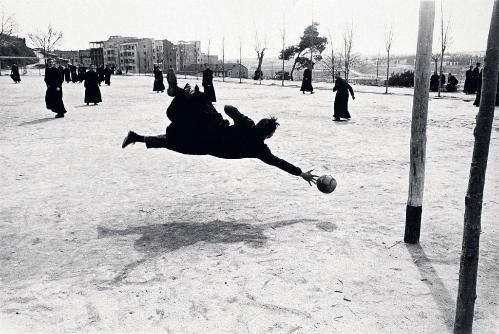 '50 fotografías con historia', testimonio imprescindible de 80 años de historia de España