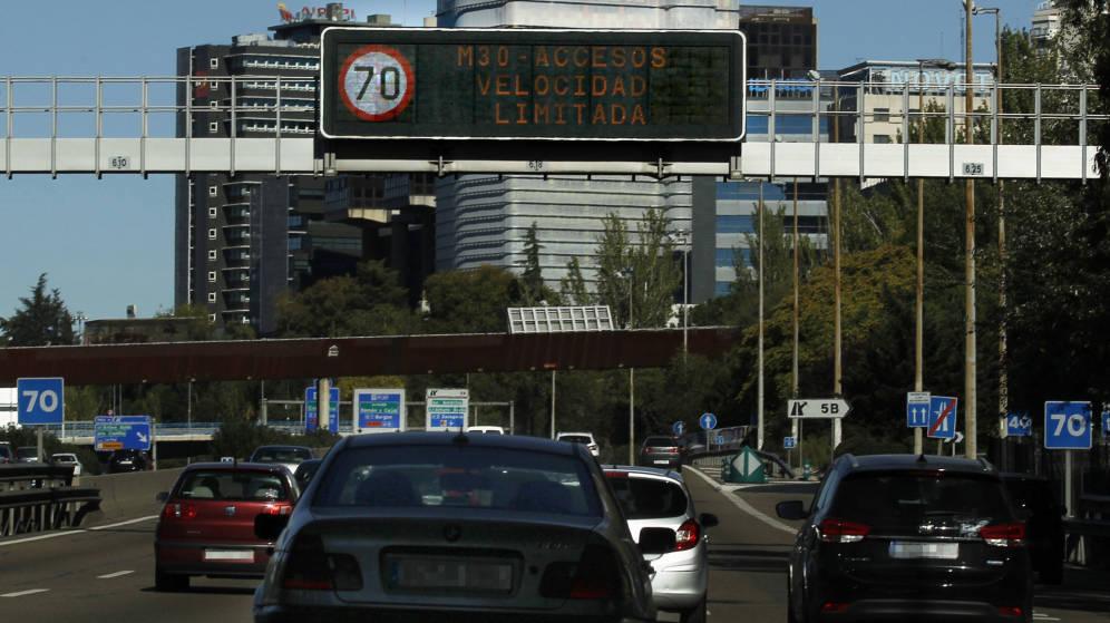 Madrid activa este viernes el escenario 2 anticontaminación, con prohibición de aparcar en el SER a los no residentes