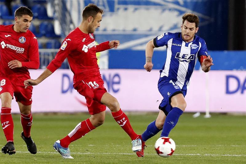 Alavés encuentra consuelo en la Copa y avanza a octavos con Espanyol y Villarreal