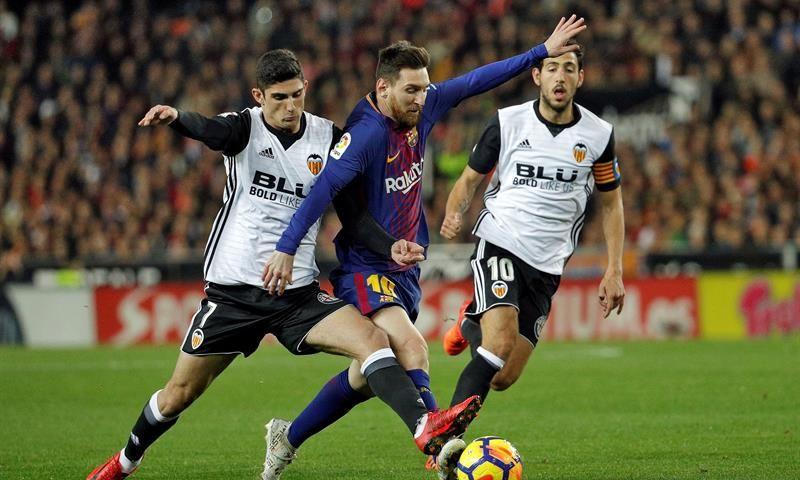 El Barça empata ante el Valencia con polémica (1-1)