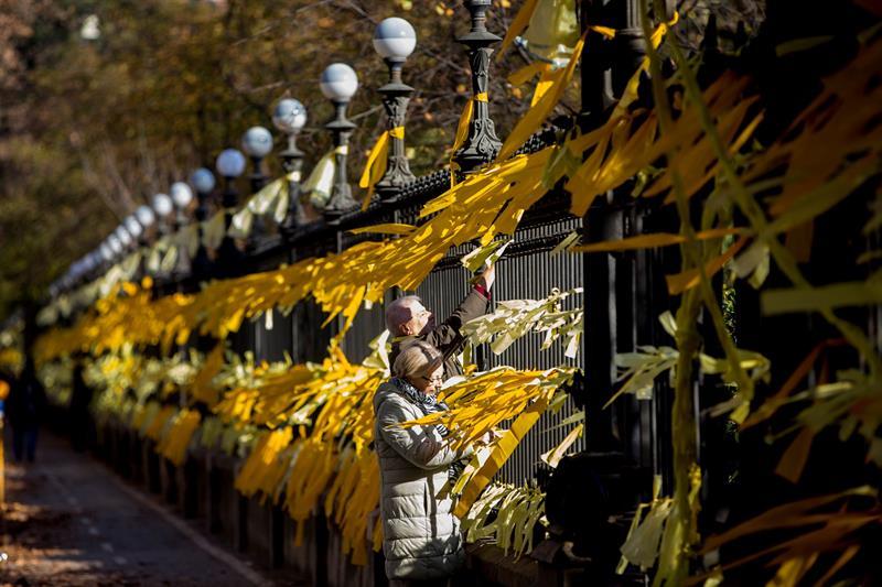 Resultado de imagen de lazos amarillos mossos