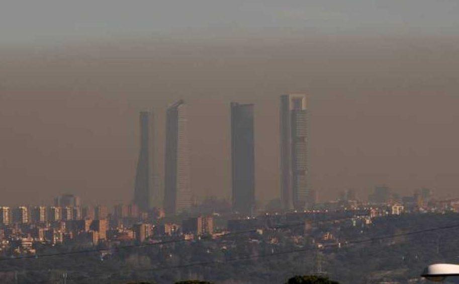 Madrid activa el protocolo por contaminación y este miércoles limita la velocidad en la M-30