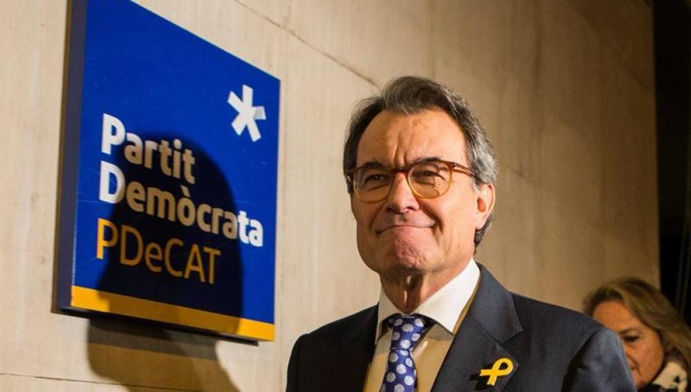 """Artur Mas pide """"unidad"""" con JxCat en su adiós como presidente del PDeCAT"""
