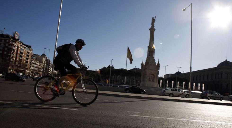Carmena planea reformar los paseos del Prado, Recoletos y Castellana en otra legislatura