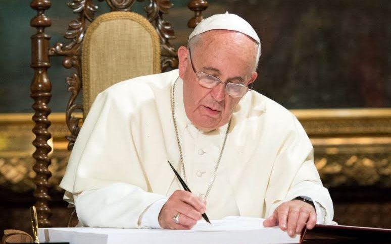 Médicos católicos, afirmar la centralidad del paciente como persona — El Papa