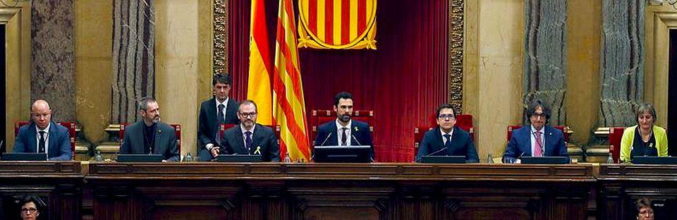 El Parlament pide que una delegación de diputados asista al juicio del 'procés'