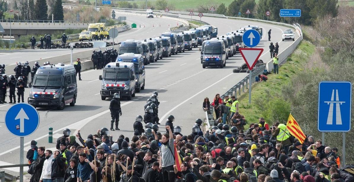 Unidos Podemos exige una reforma penal que no califique de terrorismo las protestas