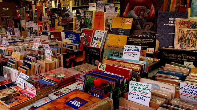 Caen un 7% las ventas de la Feria del Libro por la lluvia y el mal tiempo