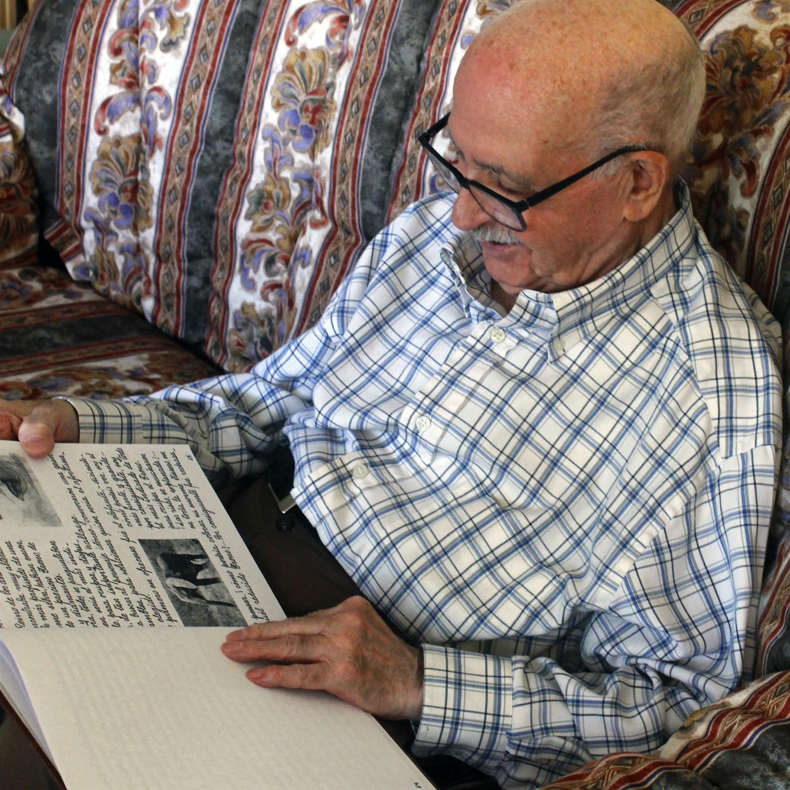 Un jubilado madrileño presenta su primer libro de cuentos a los 90 años
