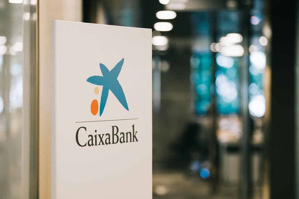 caixabank plan clientes modelo dirección estratégico comité nuevo