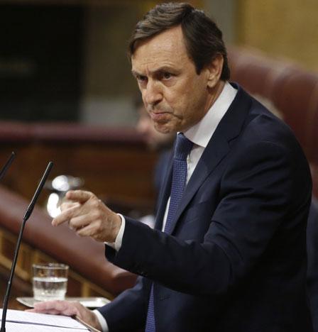 Socialista Pedro Sánchez juramentado como premier en España