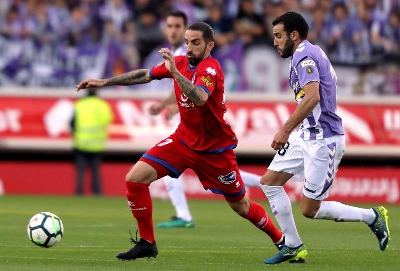 El Valladolid golea al Numancia y pone un pie y medio en Primera (0-3)