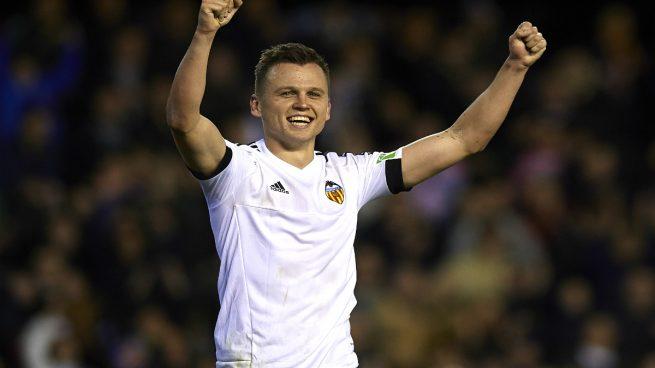 El Villarreal cede a Denis Cheryshev al Valencia hasta final de temporada