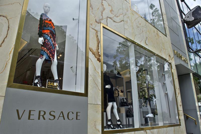 Michael Kors compra Versace por 2.120 millones de dólares ... e0f70dddd0
