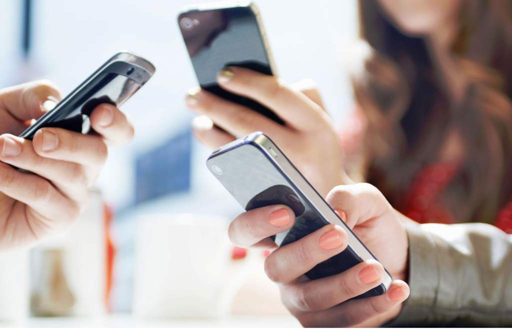 Mitos falsos sobre el uso del celular