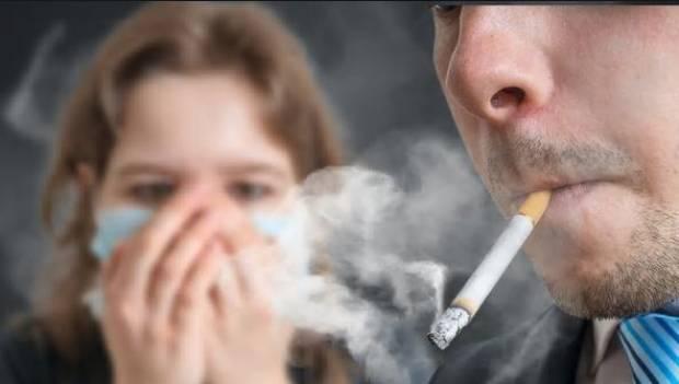Basta una hora a la semana de exposición al humo de tabaco para que la salud de los adolescentes se vea afectada