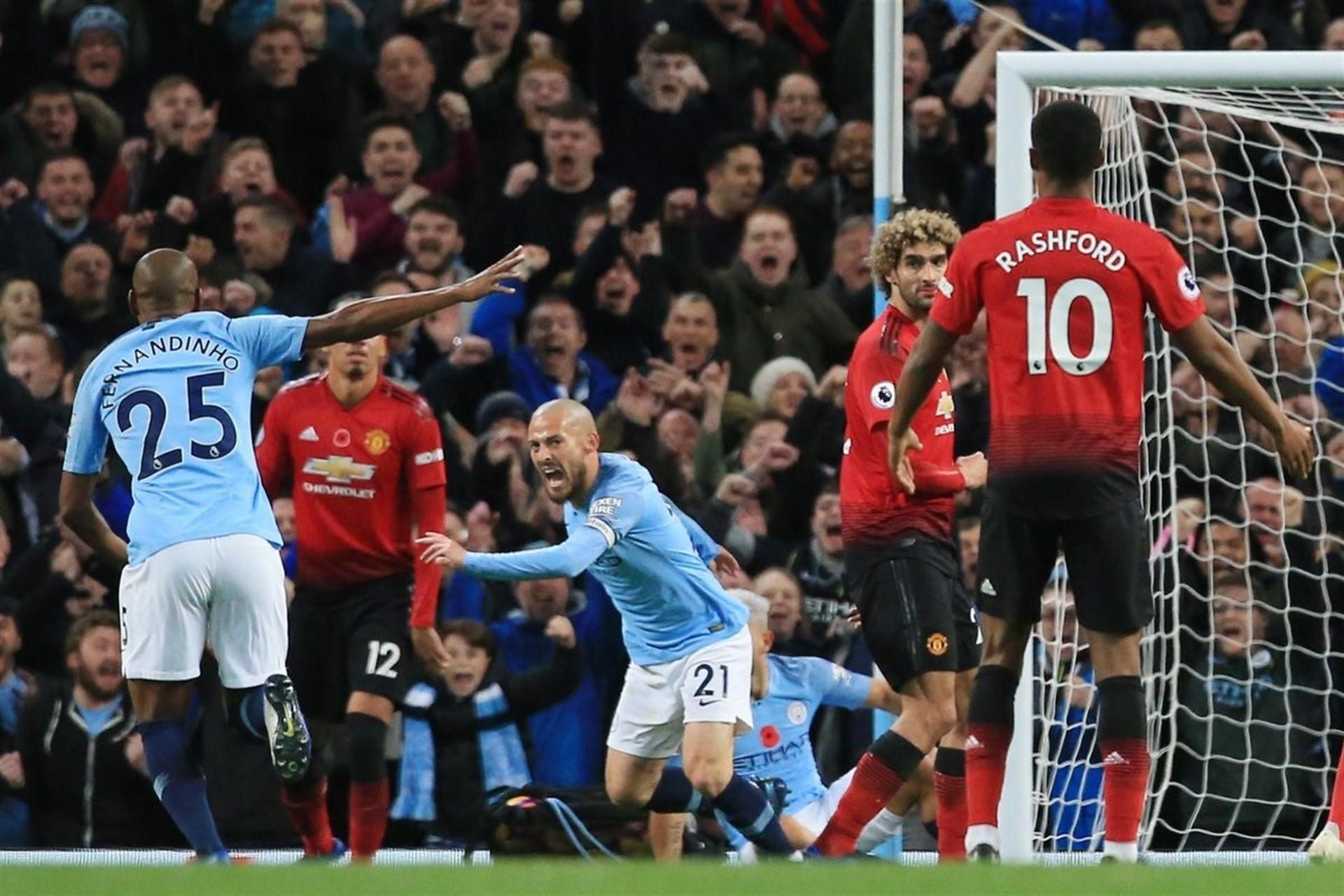 El City se adjudica el derbi de Mánchester y el Chelsea resbala