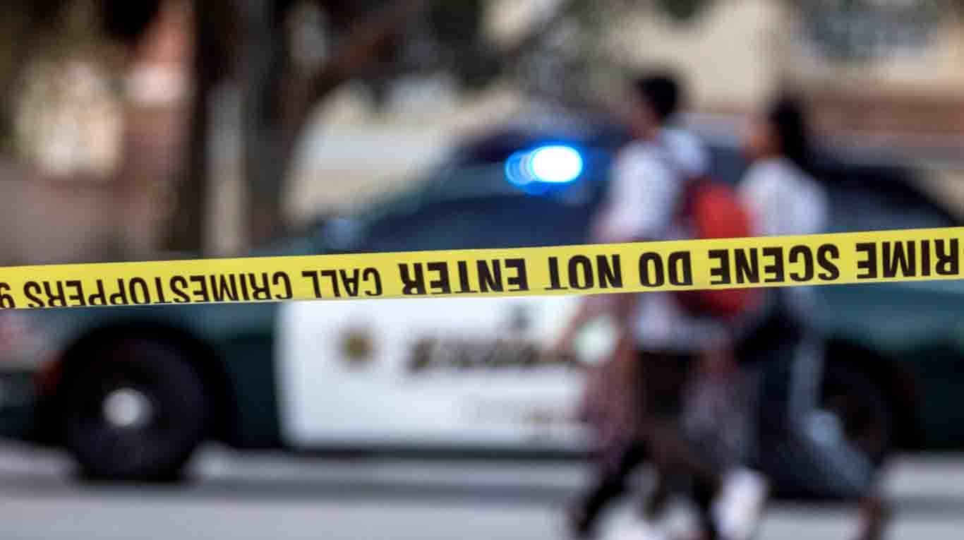 Tres muertos y tres heridos en un tiroteo en un estudio de yoga en Florida f6245f1c9971