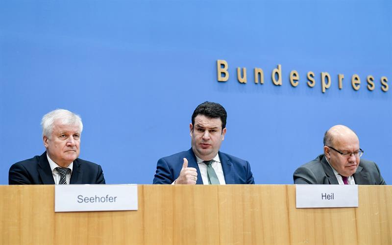 Alemania acuerda leyes para reglamentar la inmigración laboral
