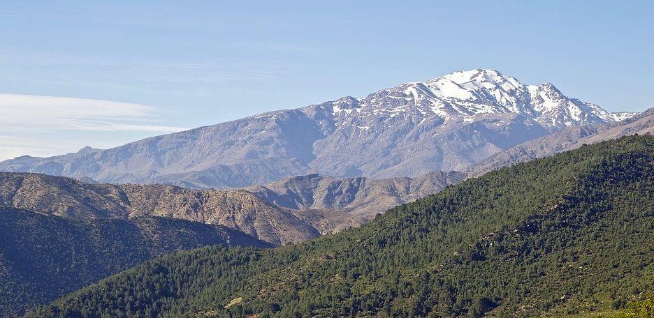 turistas dos montañismo montañeros monte nórdicas asesinadas zona