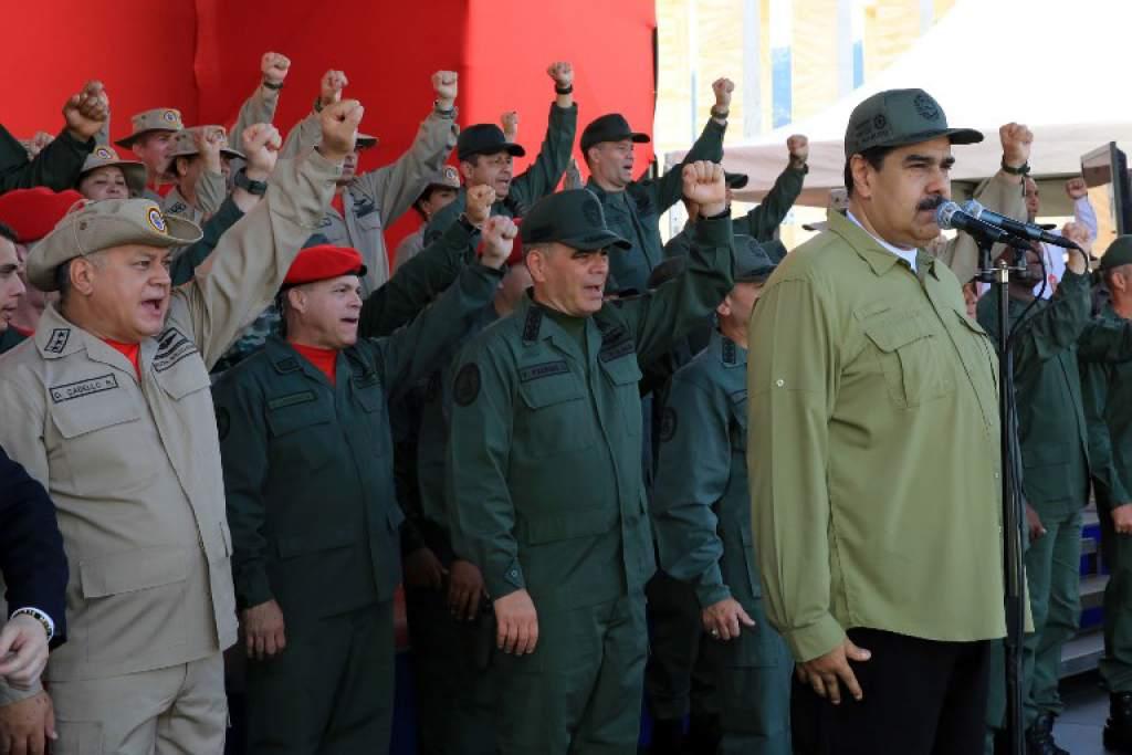 Maduro ordenó a la FANB reforzar operativos en la frontera con Colombia