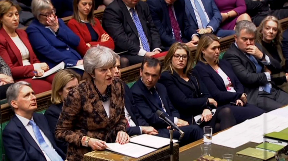 Theresa May volverá a negociar con Bruselas sobre la frontera irlandesa
