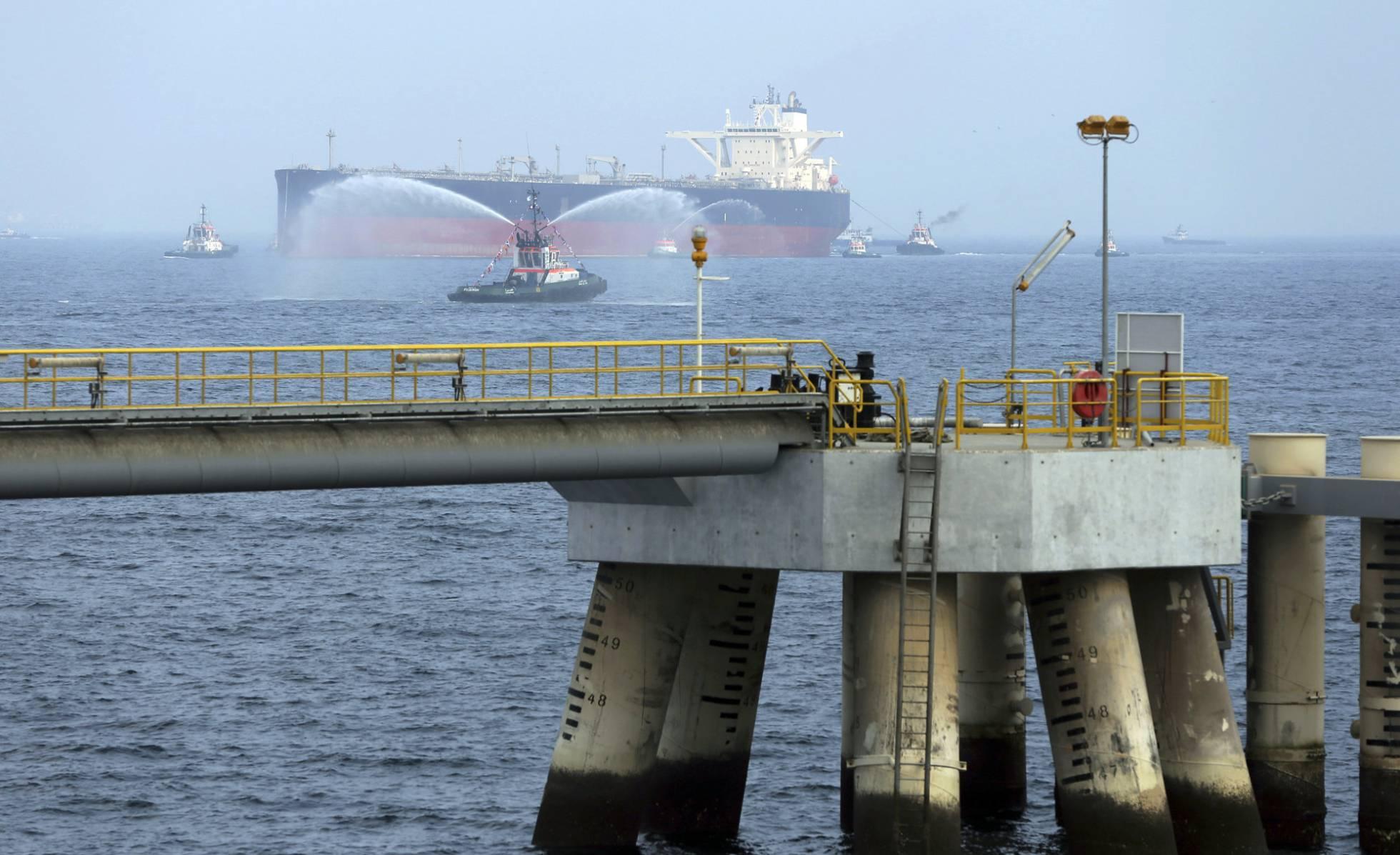 Resultado de imagen para El sabotaje de cuatro buques sube la tensión en el Golfo Pérsico
