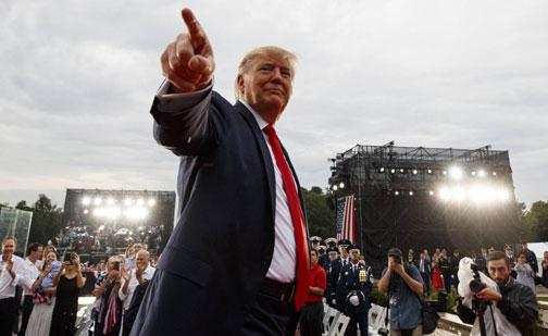 Trump tuitea mensajes racistas contra congresistas demócratas
