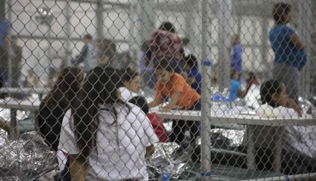 Trump anuncia una norma para encerrar a los menores inmigrantes de forma indefinida