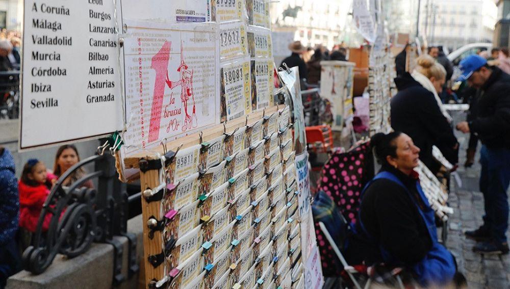 El Ayuntamiento de Madrid sancionará la venta ambulante de Lotería de Navidad en la Puerta del Sol
